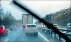 Правила безопасного управления автомобилем во время дождя: