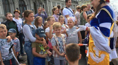 Теплоходная экскурсия юных измайловцев
