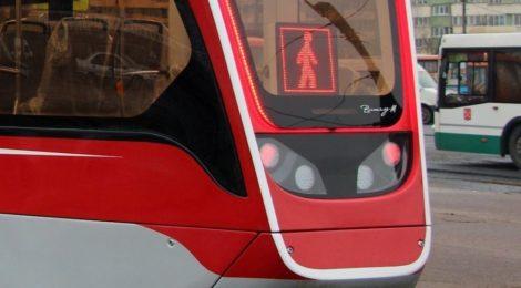 Горэлектротранс проверил к зиме исправность знаков  «Внимание, пассажир!» на трамваях